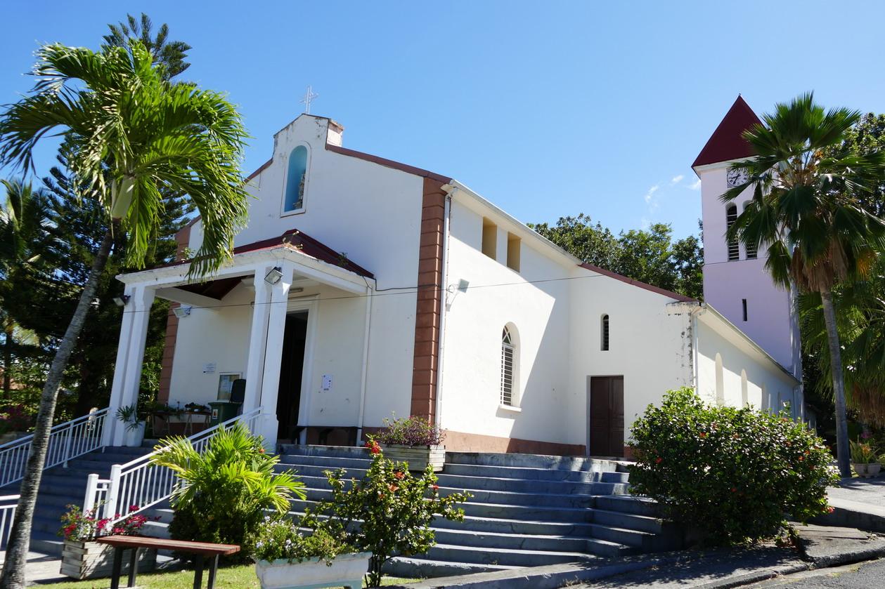 12. La Guadeloupe ; Deshaies, l'église