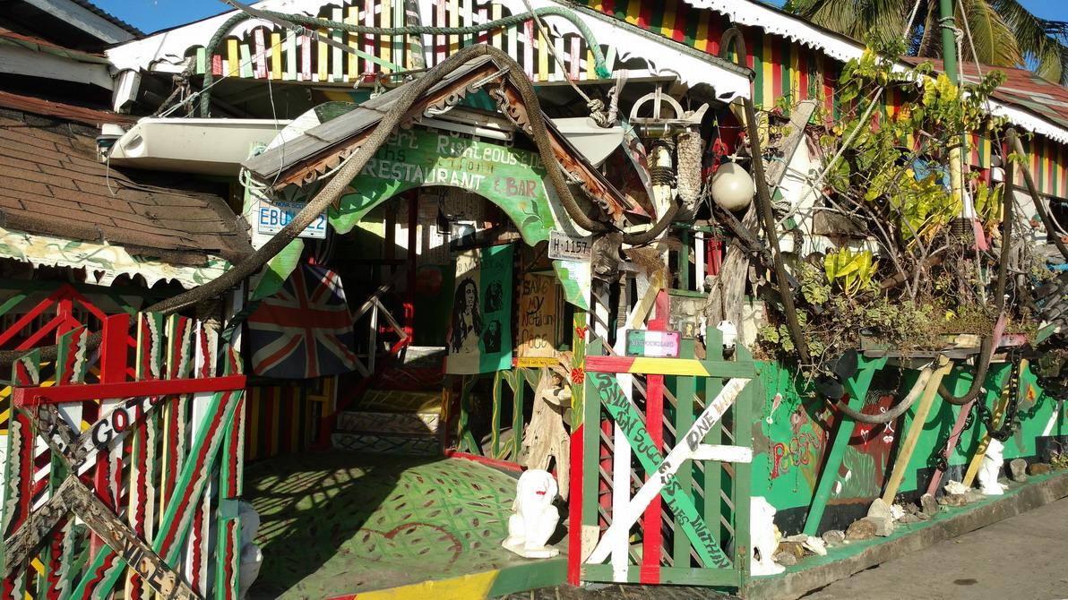 12. Mayreau, village de Tarzan, bar restaurant d'artiste