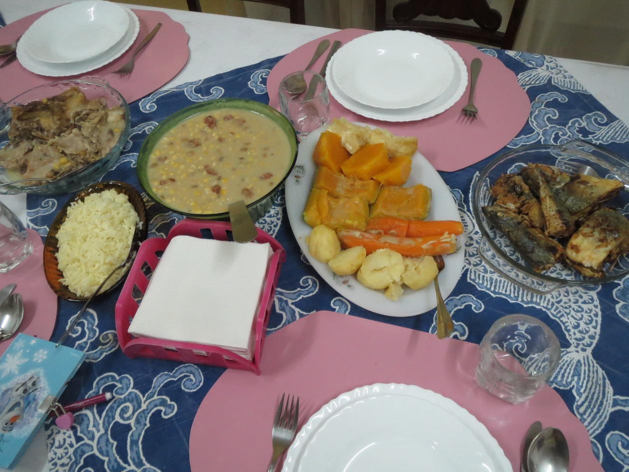 13. Pensaoa Alice, Cachupa, plat de la cuisine capverdienne