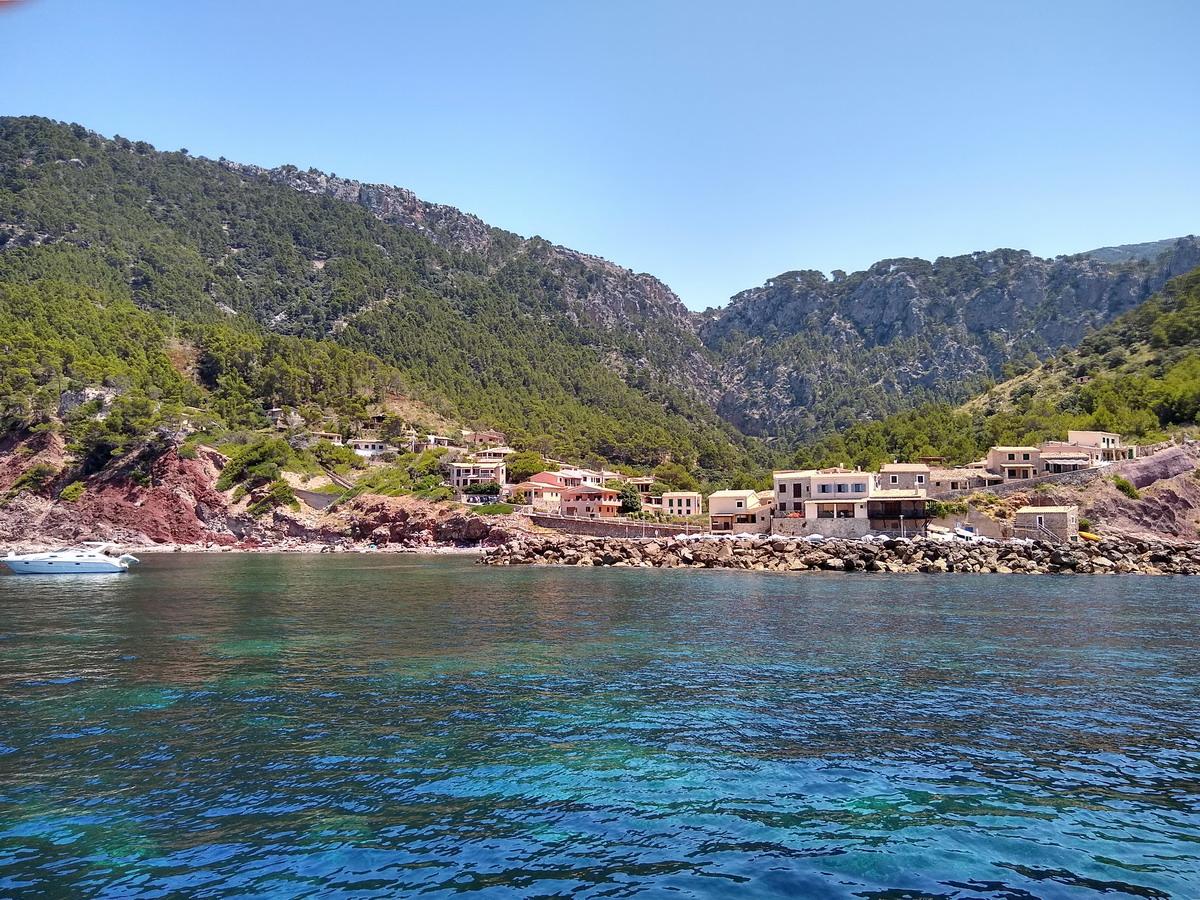 14. Le petit port de pêche de Valldemossa, situé en contrebas du village qui abrita George Sand et Frédéric Chopin durant l'hiver de 1838