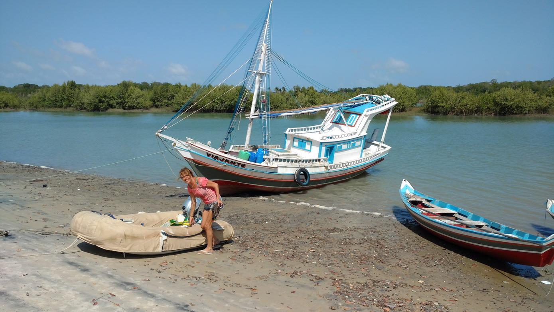 15. Le village de Bato Vento sur l'île de Maiao juste en face