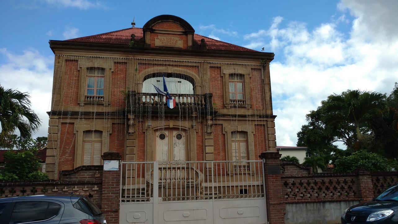 15. St Laurent du Maroni, la banque de Guyane