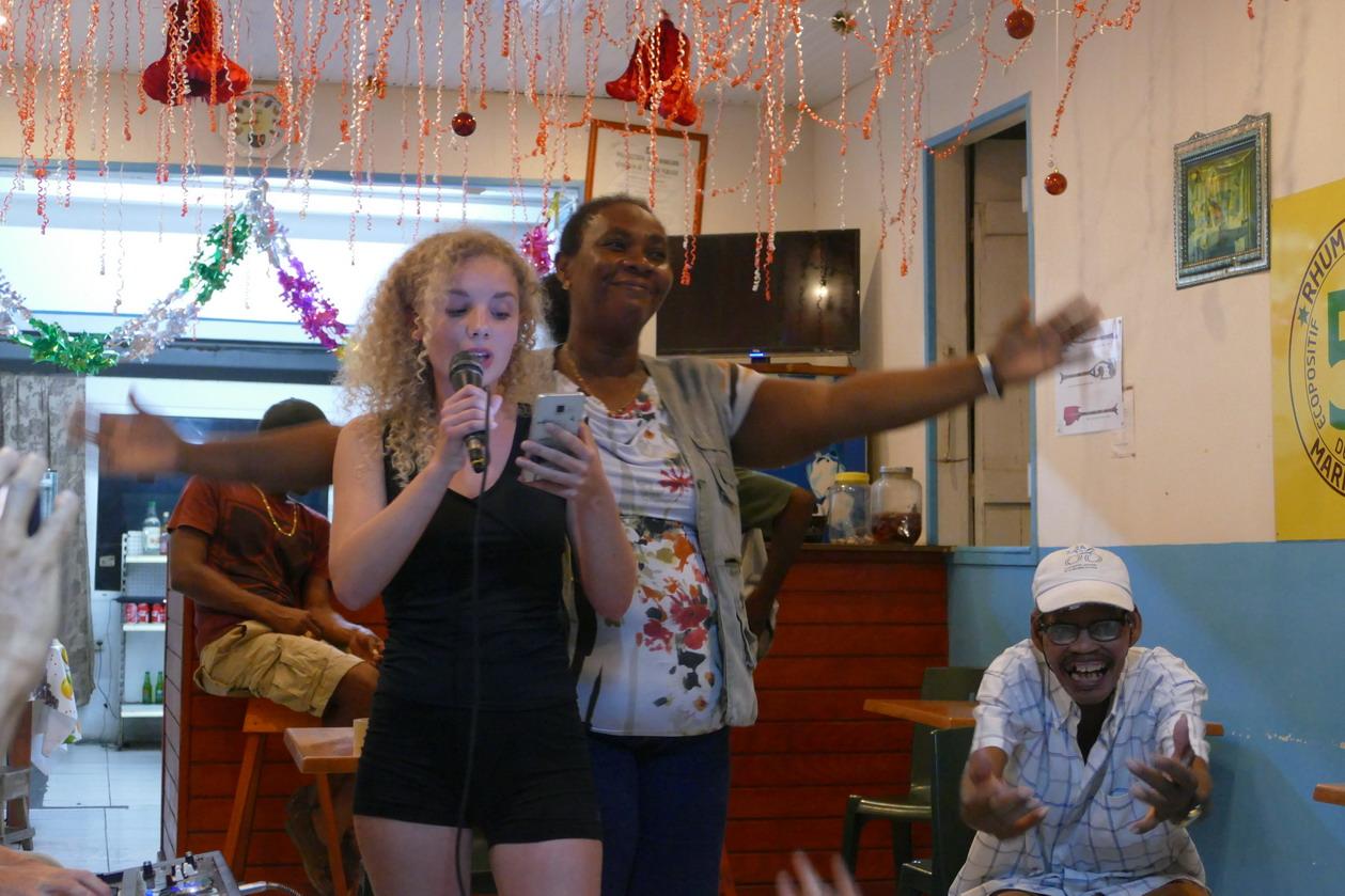 16. Boeuf musical chez Judith à Saint-Louis ; Orane et Judith, qui est aux anges