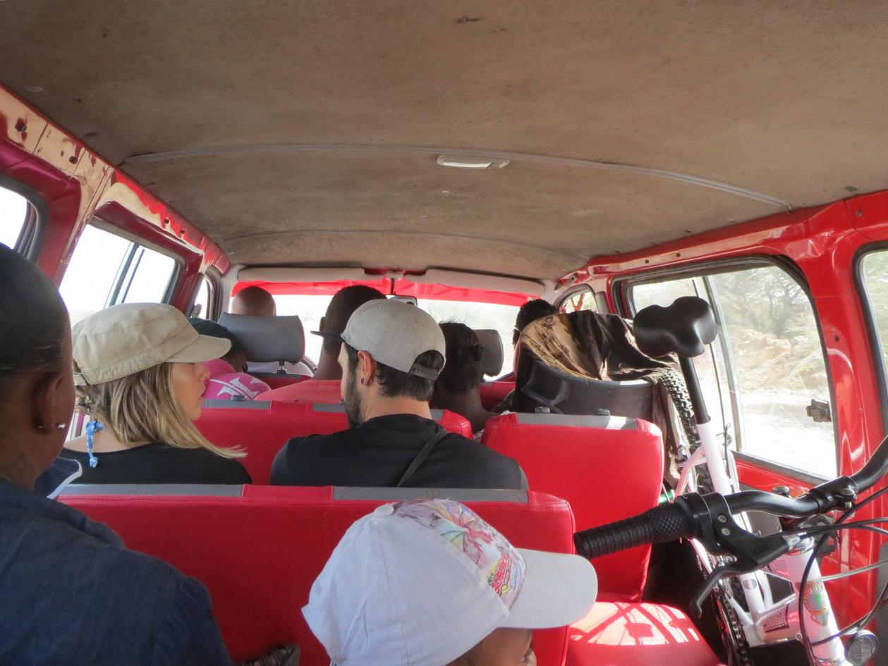 16. En aluguer vers Espargos