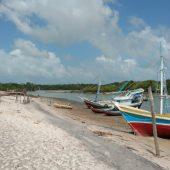 17. Le village de Bato Vento sur l'île de Maiao juste en face