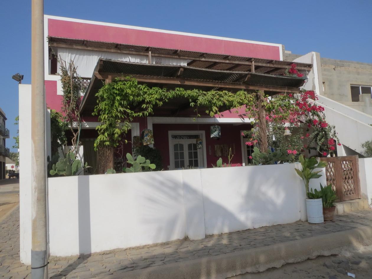 17. Sal Rei, restaurant sur le front de mer