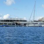 17. St Martin, Marigot, Simpson bay lagoon, les bâtiments autour de la marina Le Port Royal