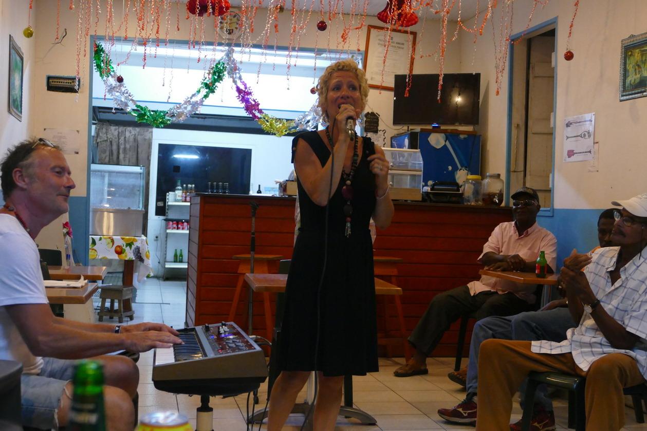 18. Boeuf musical chez Judith à Saint-Louis ; Delplhine et Yves