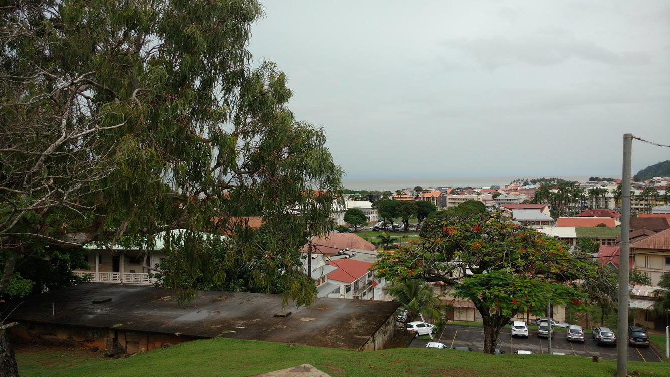 18. Cayenne, du fort de Montébo