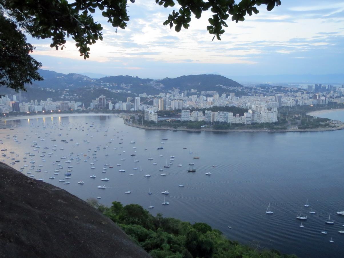 18. Du morro d'Urca vue sur les quartiers de Botafogo et de Flamengo
