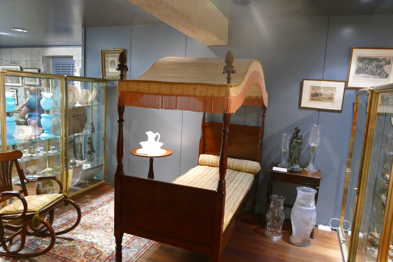 18. La Pagerie, domaine des Tascher ; le lit de Joséphine