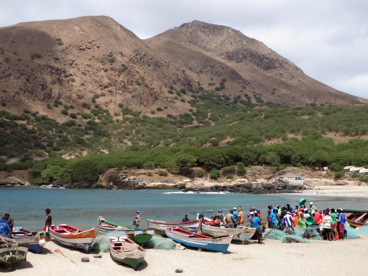 19. Santiago, plage de Tarrafal, les pêcheurs sont de retour