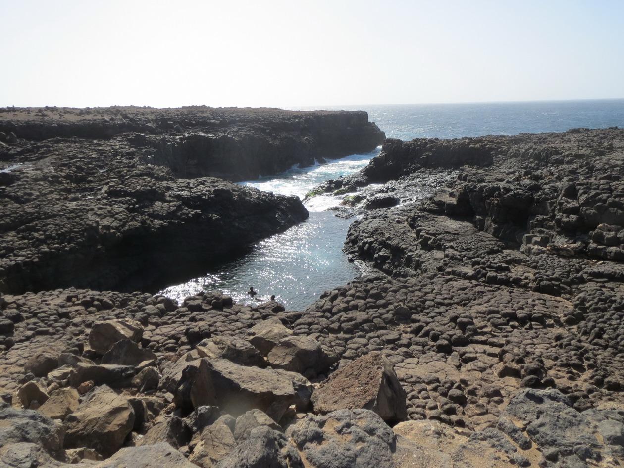 20. Baracona, là où la mer pénètre dans les failles volcaniques