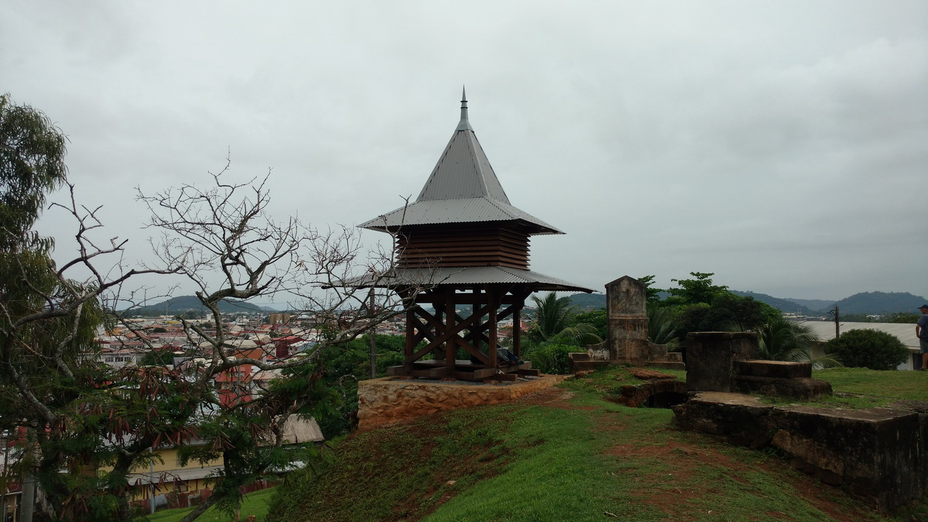21. Cayenne, du fort de Montébo