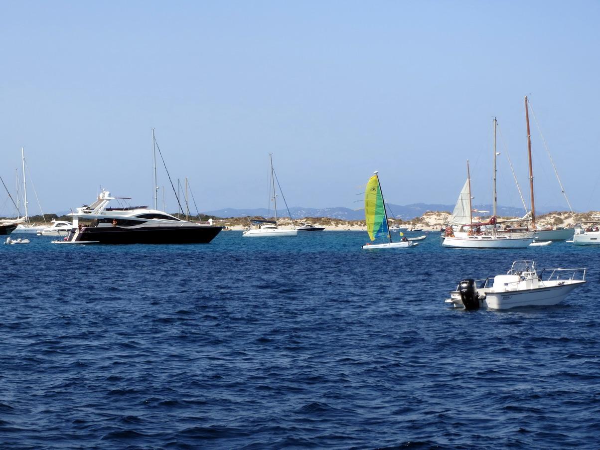 23. Île de Formentera ; il y a du monde ...