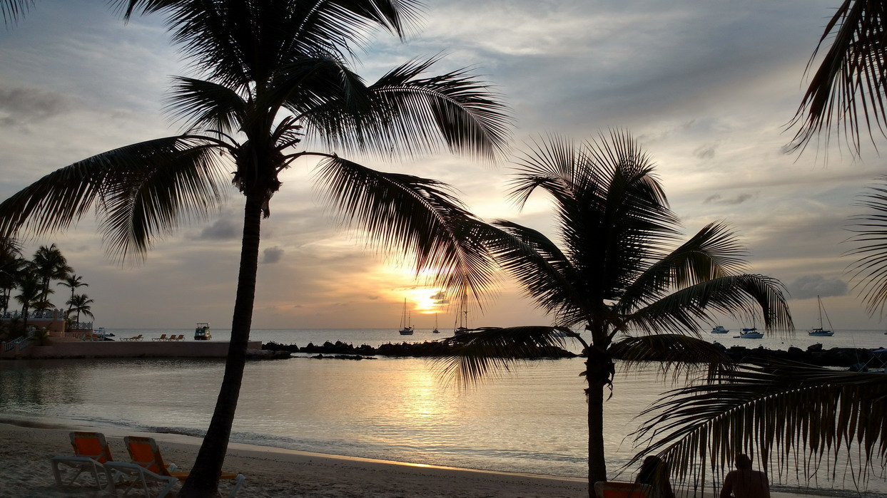 23. Coco reef, le resort en face de notre mouillage