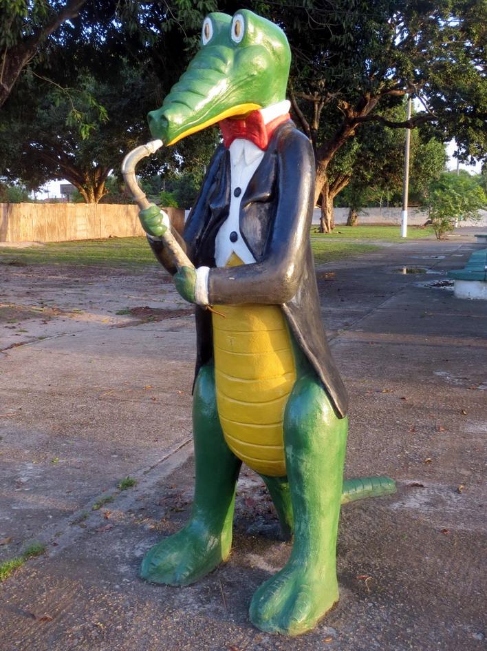 23. Jacaré = crocodile, et le saxophoniste est là presque chaque jour