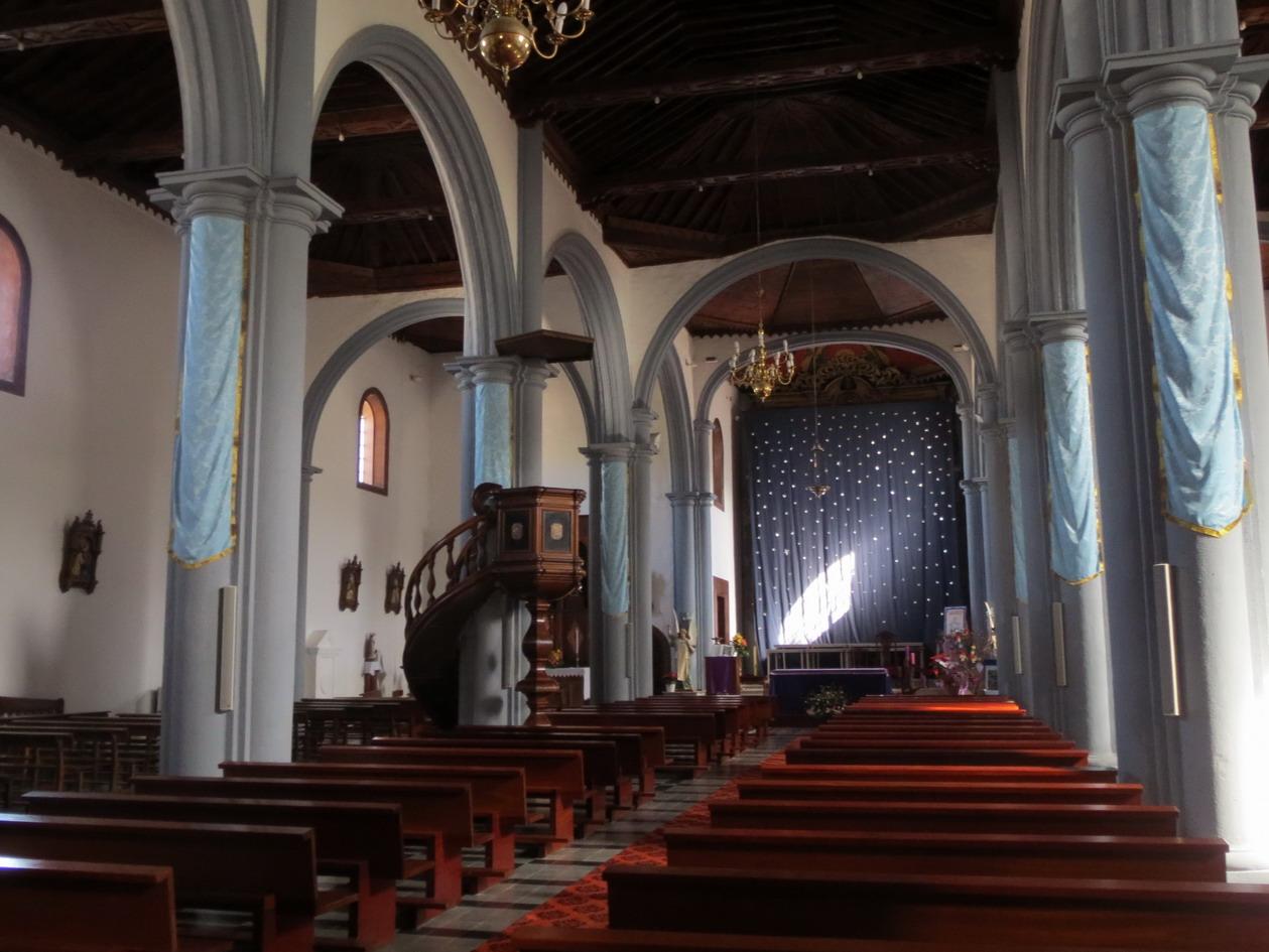 23. L'église de Valverde