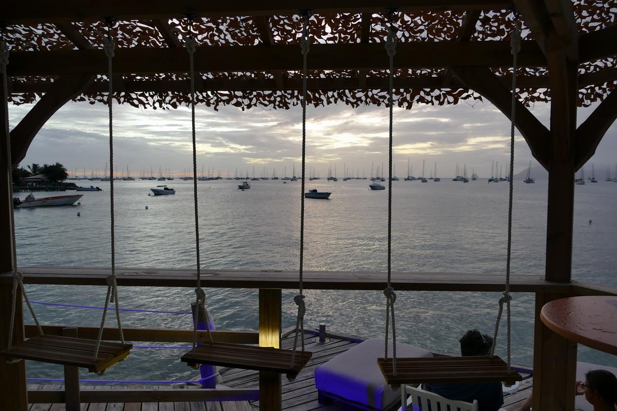 24. La Martinique, Ste Anne, la Dunette, restaurant de bord de mer