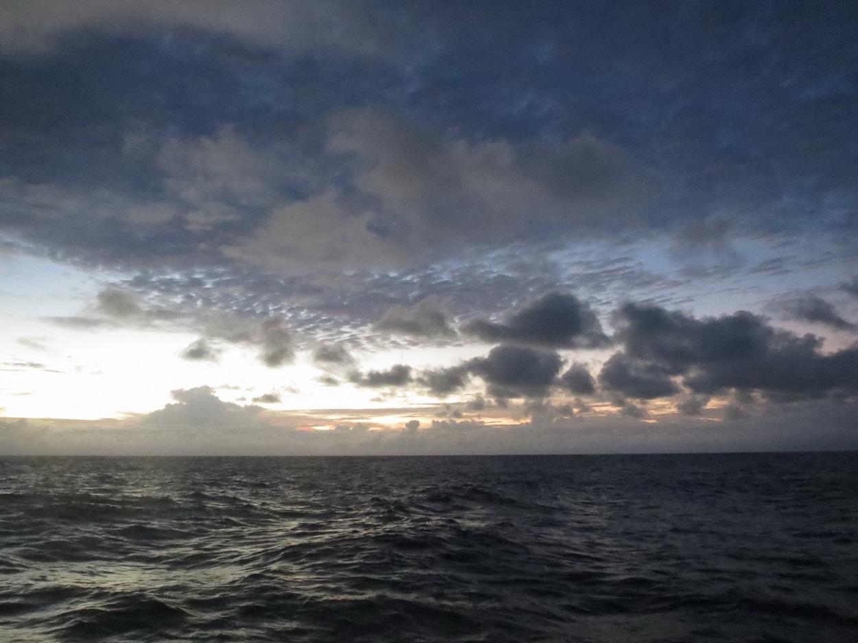 24. Noirs nuages
