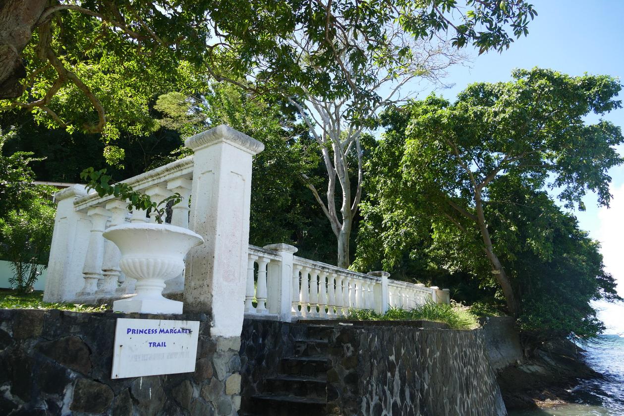 25. Bequia, Admiralty bay, le sentier de la princesse Margaret