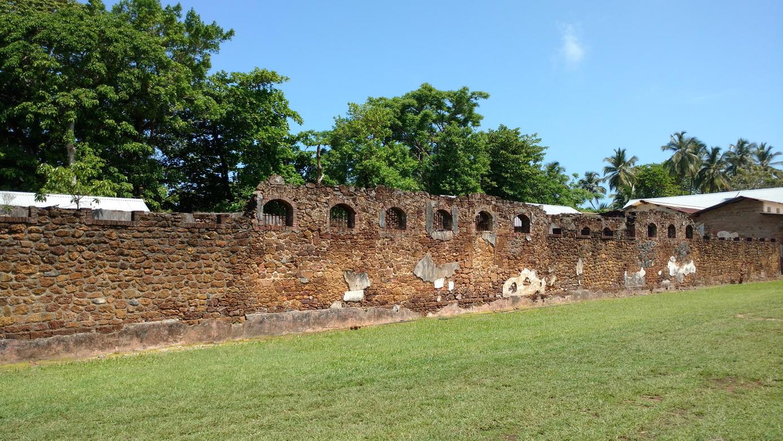 26. Île Royale, l'enceinte du pénitencier