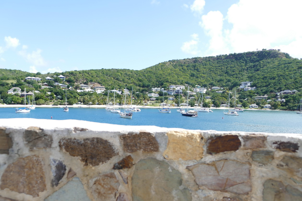 26. Antigua, English harbour, Freemans bay de Berkeley point