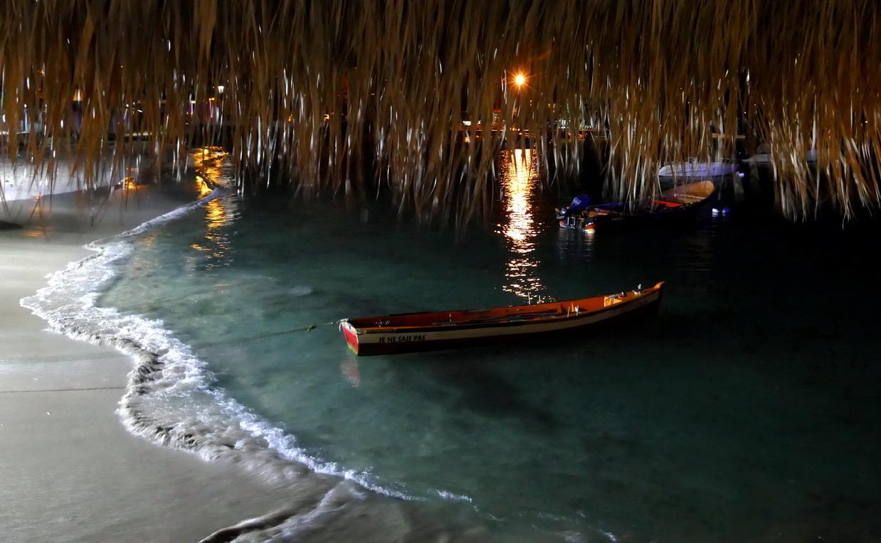 26. La Martinique, Ste Anne, de la Dunette, restaurant de bord de mer