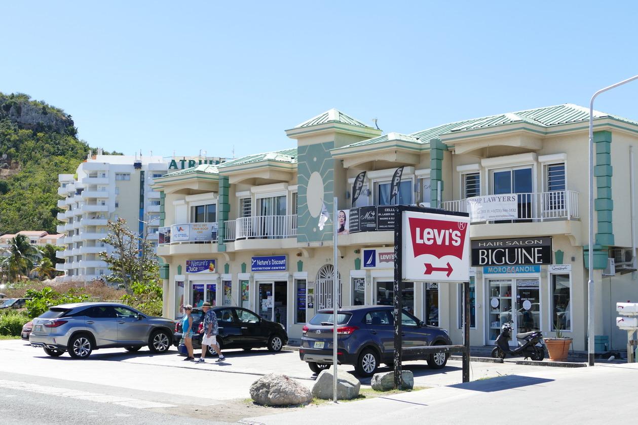 26. Sint Maarten, Maho beach