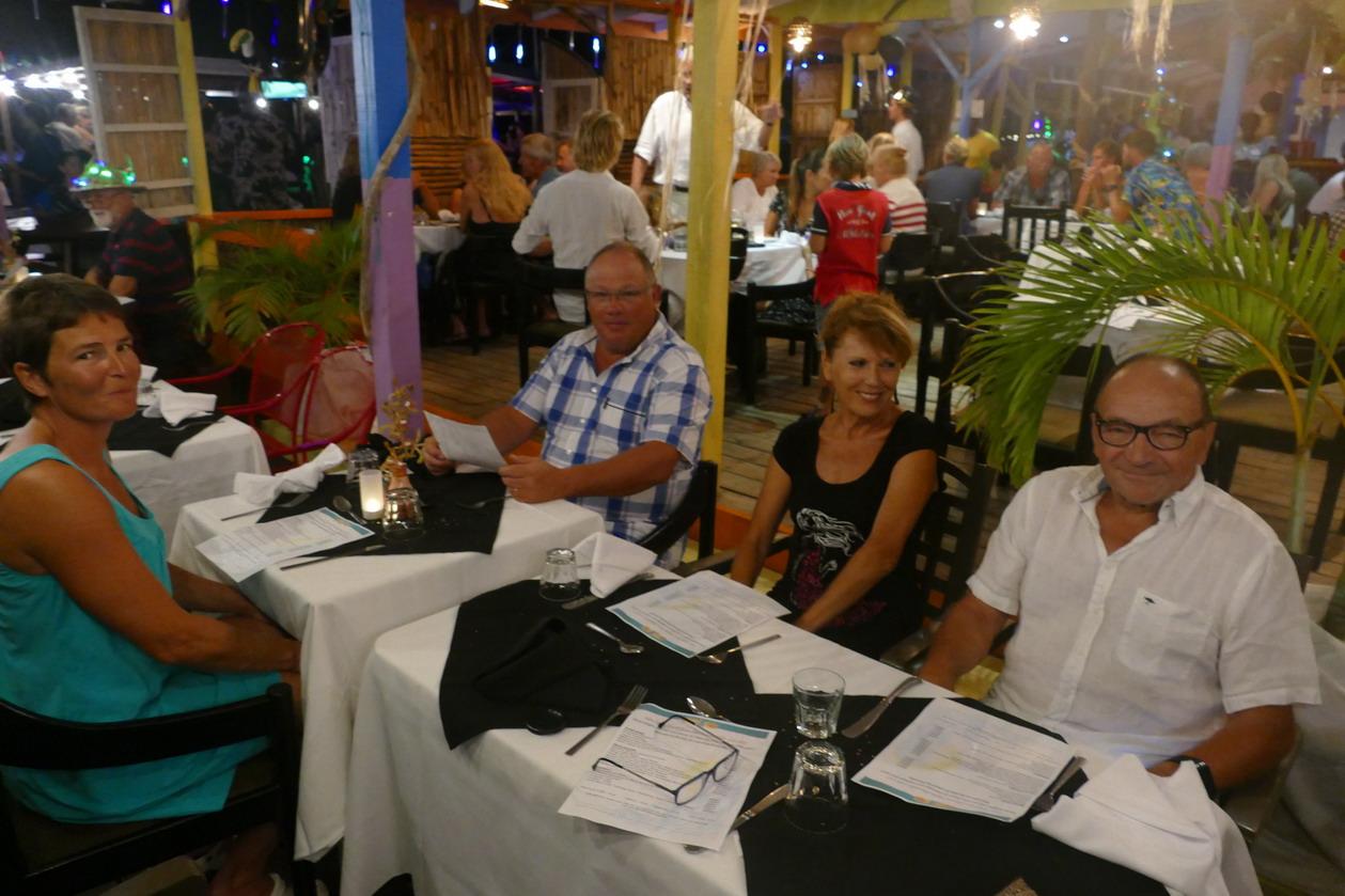6. Ste Lucie, Marigot hbr, restaurant Mygo, repas de fin d'année avec Mireille et Richard, des Liégeois