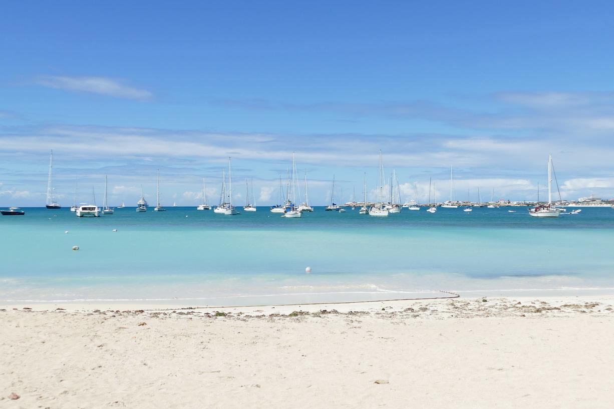 28. Sint Maarten, Kool baai
