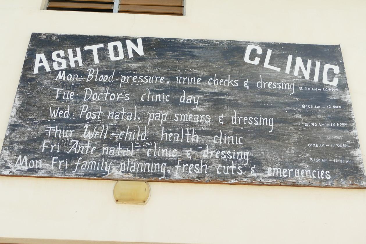 28. Union island, de Chatham bay à Clifton harbour, le village d'Ashton, mieux vaut ne pas avoir d'urgence !