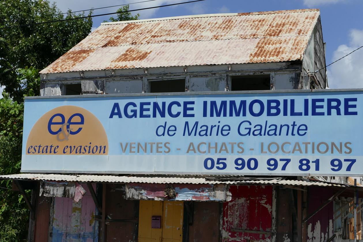 33. Marie-Galante ; Grand-Bourg, une agence immobilière qui promet !