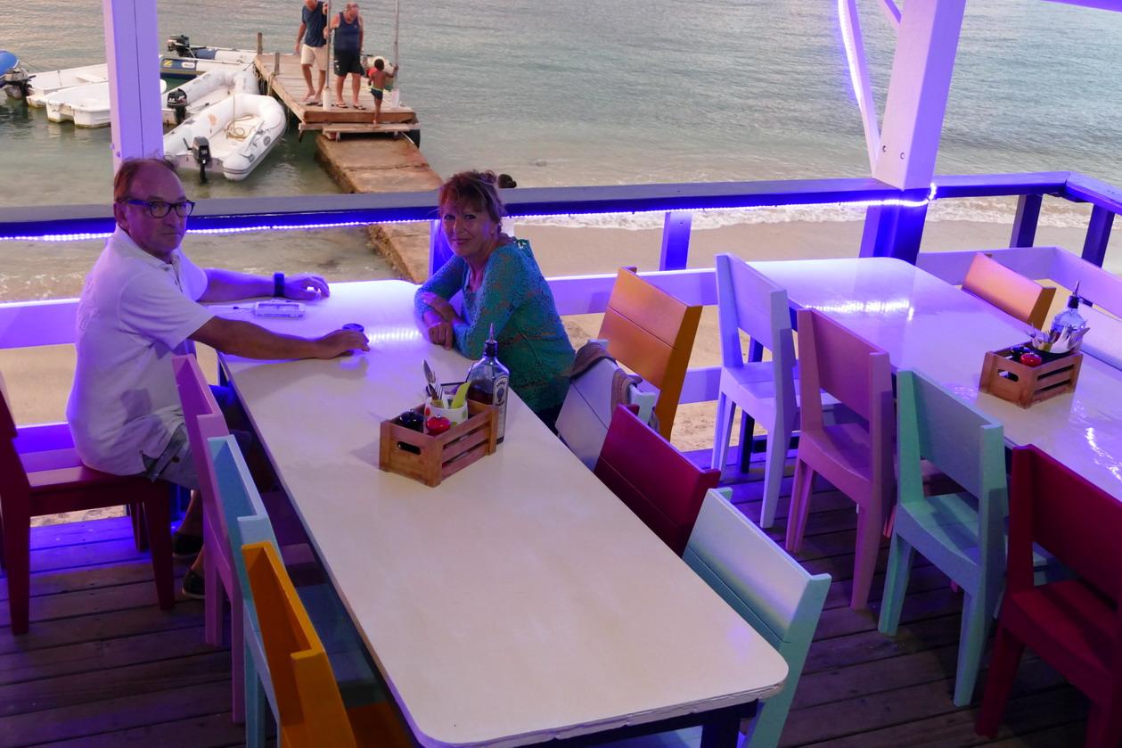 37. Au restaurant Lazy Turtle sur la plage