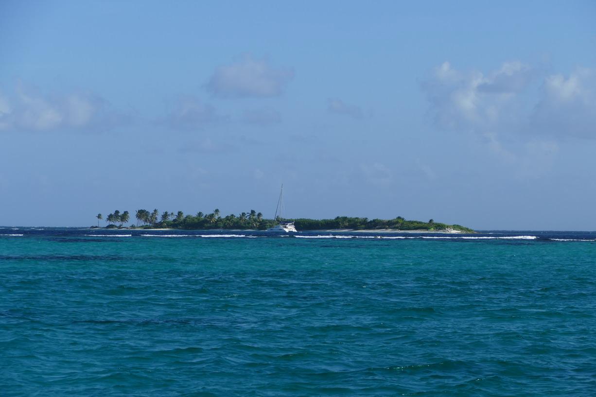 38. Les Tobago cays, le mouillage de Petit Tabac derrière le reef