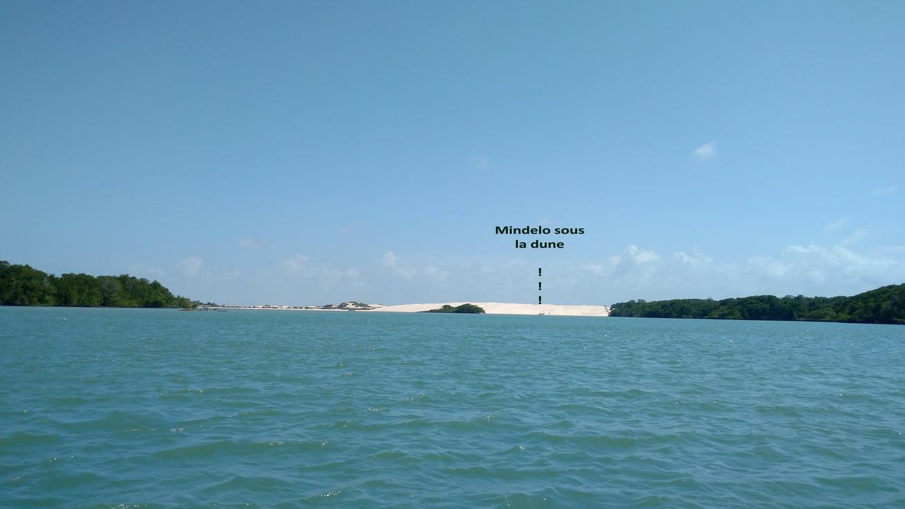 38. Mindelo sous la protection de la dune à marée haute