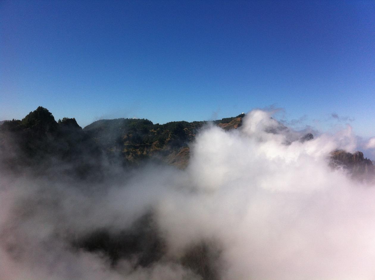 39. Entre sommets et nuages