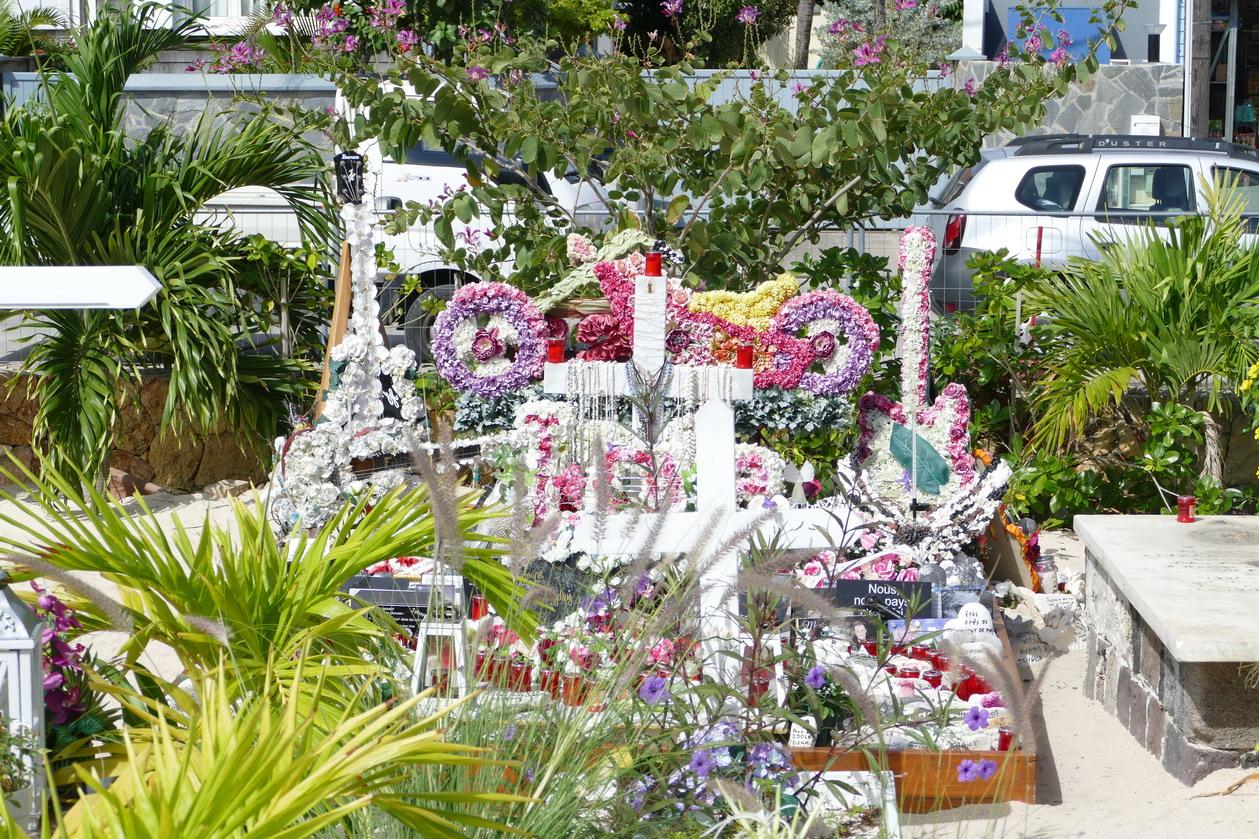 39. St Barth, cimetière de Lorient, la dernière demeure de Johnny