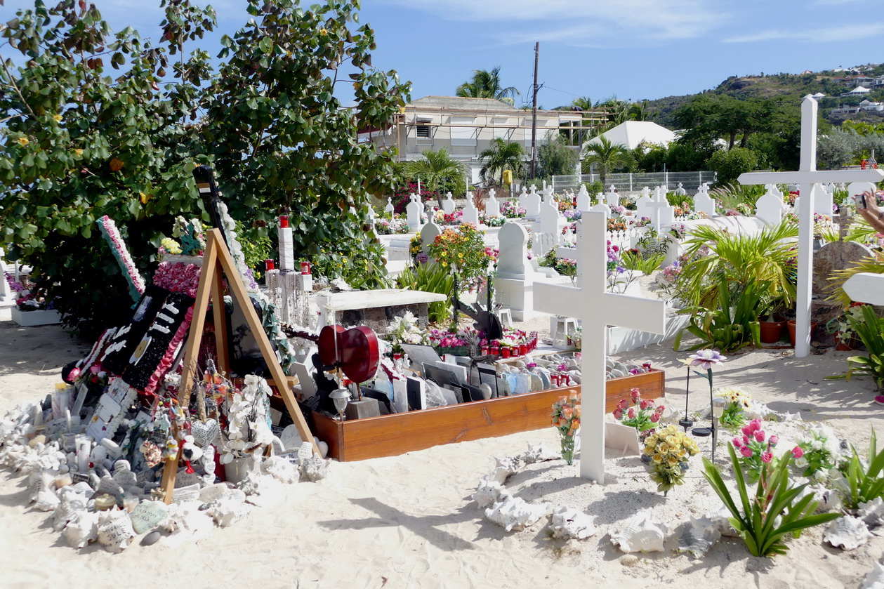 40. St Barth, cimetière de Lorient, la dernière demeure de Johnny