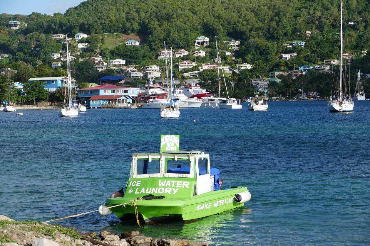 41. Bequia, Port Elisabeth, le bateau de notre laveur de linge