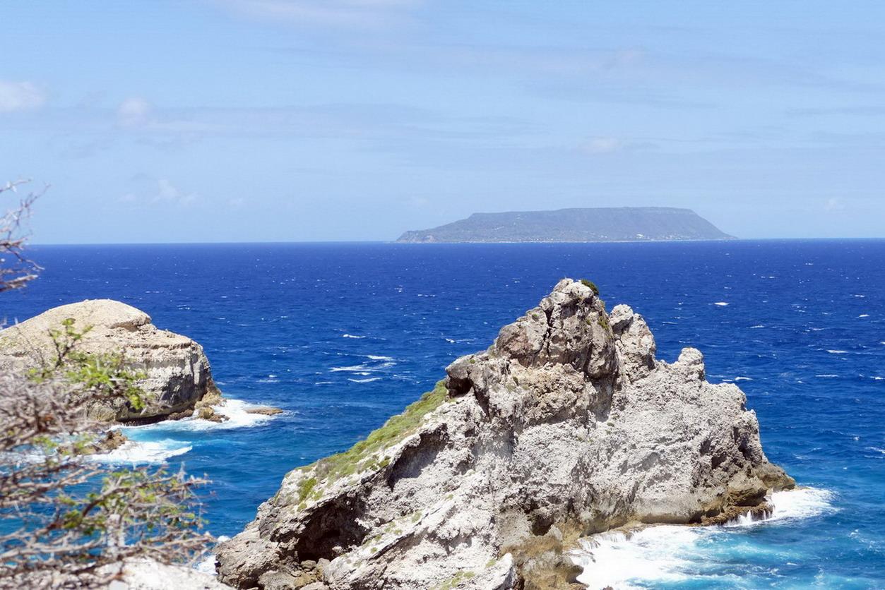 42. Guadeloupe, la Pointe des châteaux, la Désirade