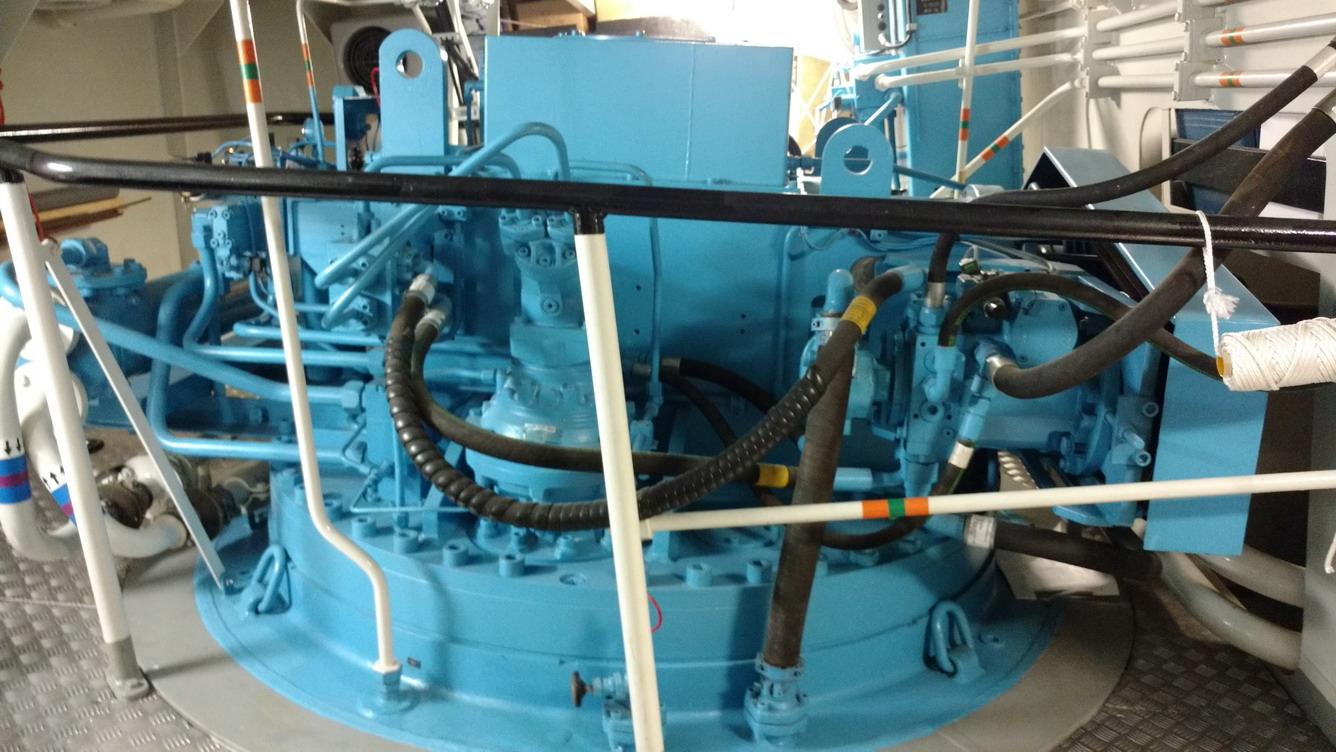 42. Plate-forme giratoire d'hélice azimutale