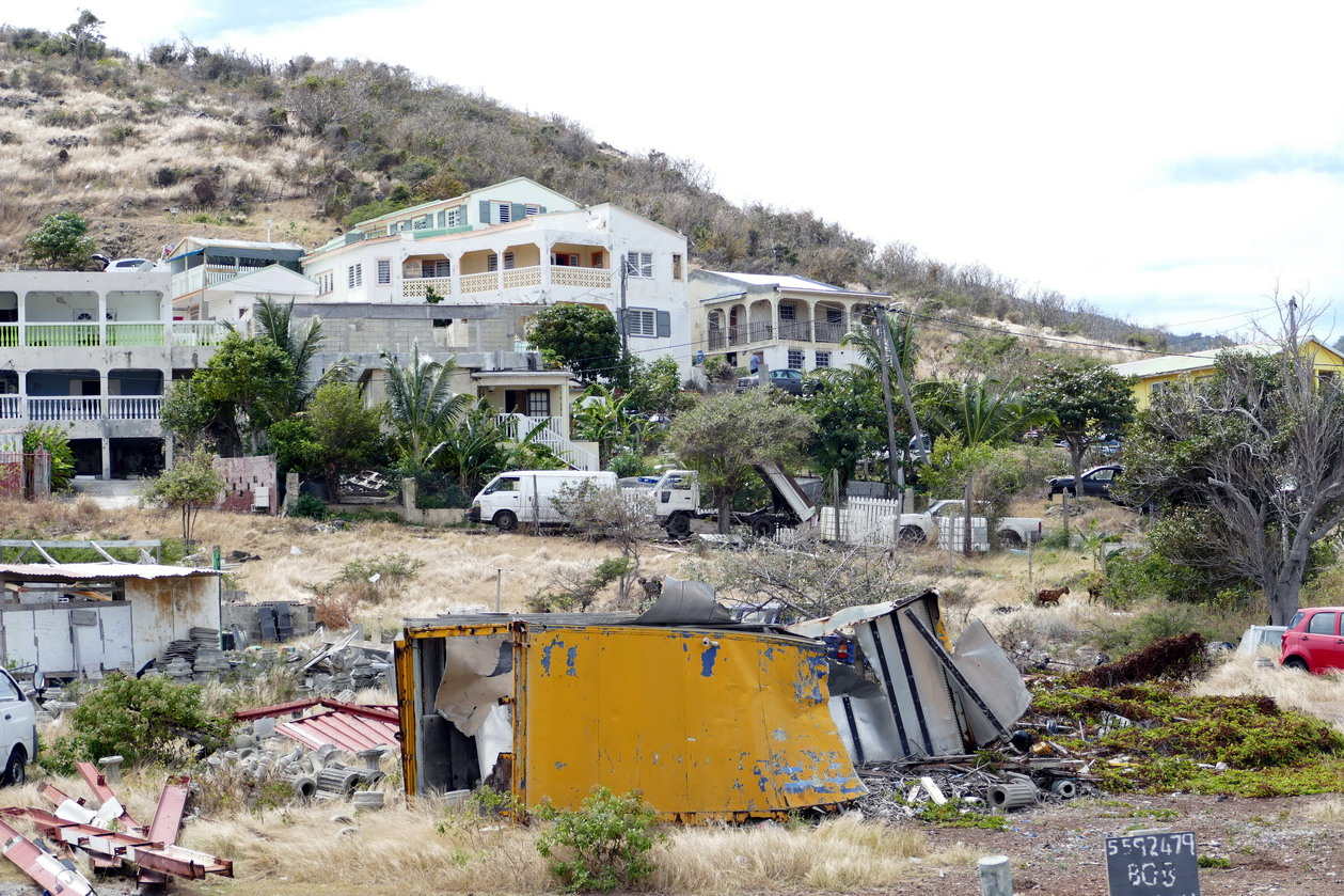 43. St Martin, la côte orientale, beaucoup de destructions