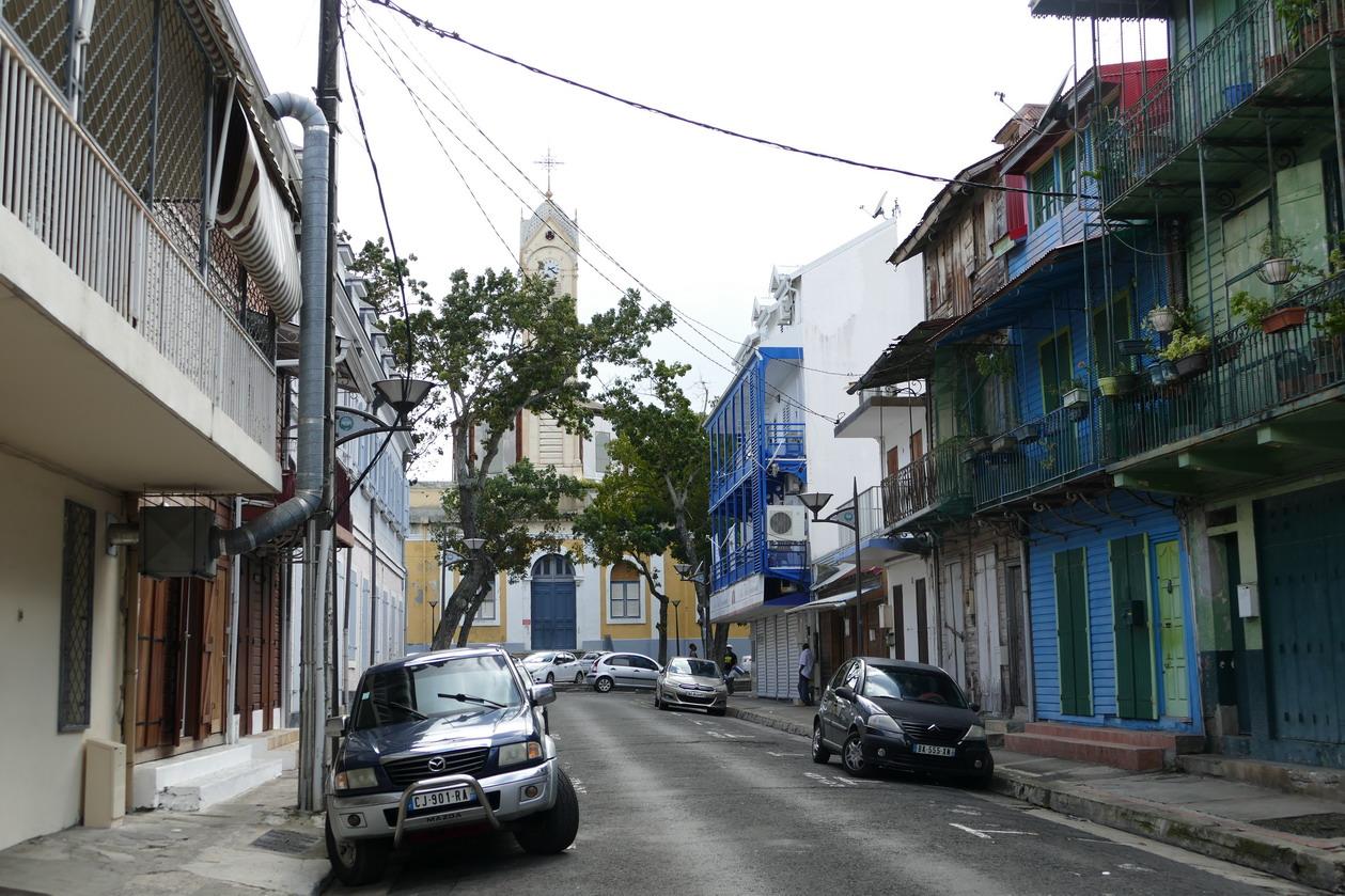 44. Pointe-à-Pitre ; quartier de la cathédrale