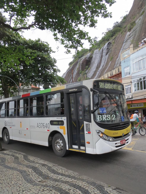 44. Le 581, notre bus pour Copacabana