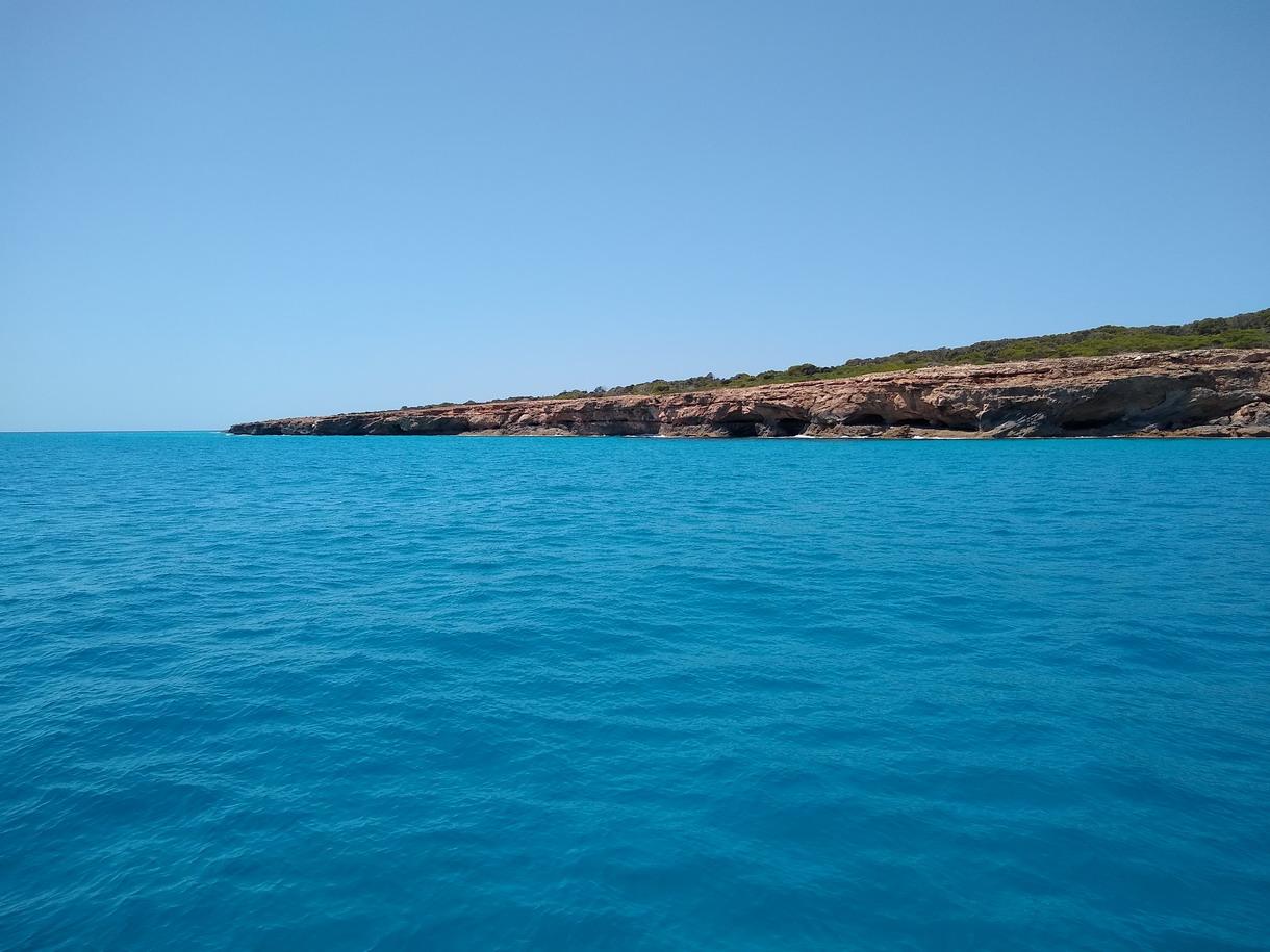 46. Le cap Salinas aux eaux turquoises, la pointe SE de l'île