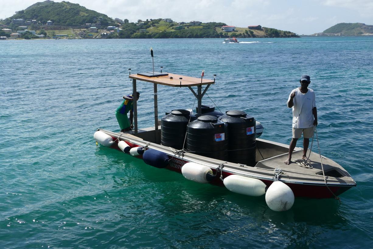 47. Canouan, le transport de l'eau