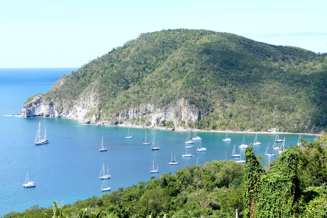 47. La Guadeloupe ; la baie de Deshaies