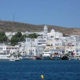 9. Milos, port d'Adama